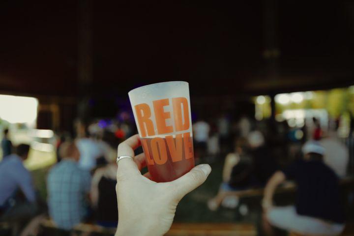 Les gobelets personnalisables , personnalisés et réutilisables Esprit Planète au Red Love Festival