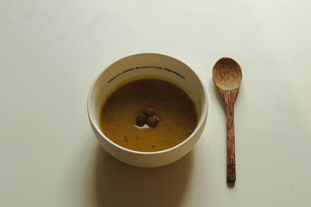 Recette de saison : la soupe au pâtisson avec gobelet réutilisable Esprit Planète