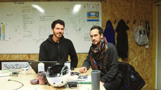 L'atelier commun et le gobelet personnalisé Esprit Planète