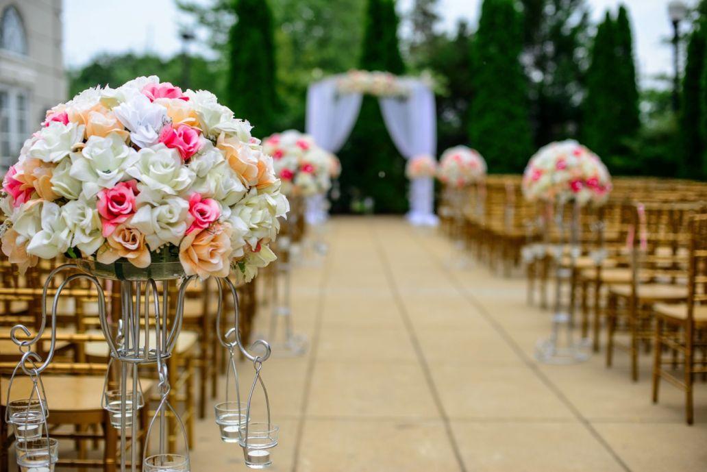 A la découverte des traditions du mariage dans le monde avec les gobelets personnalisables, personnalisés et réutilisables Esprit Planète