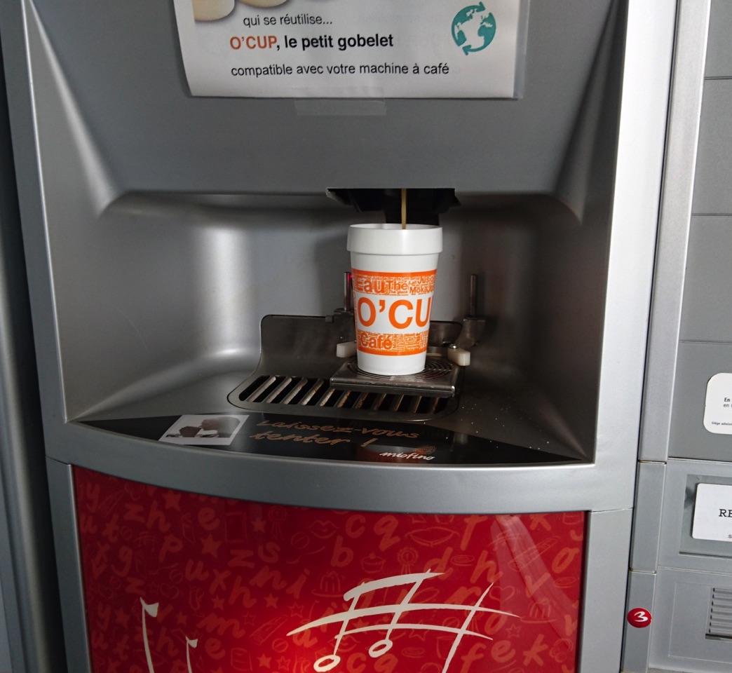 Orange™ et la mise en place des gobelets réutilisables dans leur entreprise